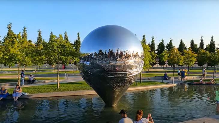 Скульптура капля